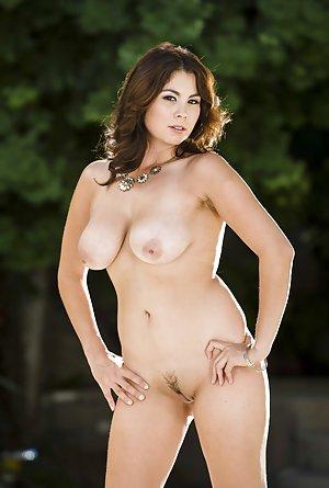 Free Big Tits Pics